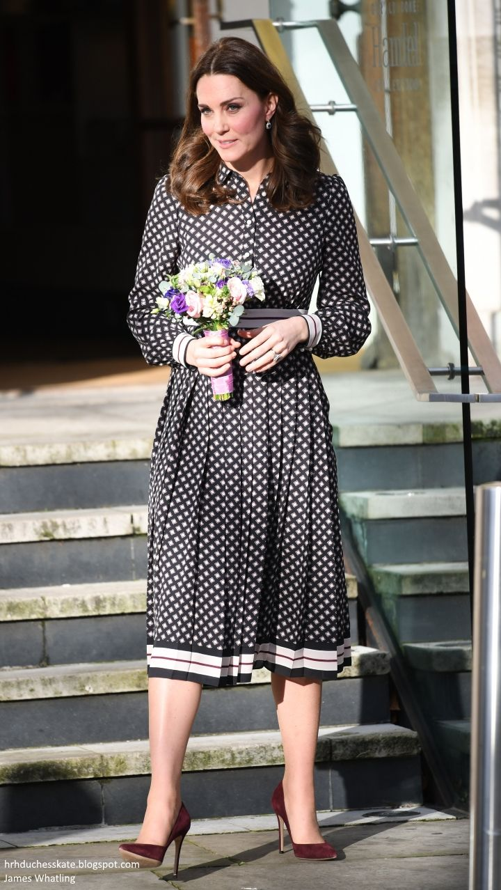 hrhduchesskate: Foundling Museum, November 28, 2017-Duchess of Cambridge visited the Foundling Museum, named for children left as foundlings, and now a support centre for vulnerable children; Catherine wore a Kate Spade dress accessorized with her Gianvitto Rossi pumps, Mulberry suede clutch, and sapphire and diamond earrings