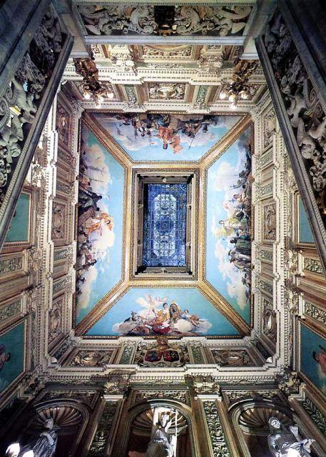 """Bóbeda de coronación del hueco de la escalera principal. """"Las provincias de ultramar"""", por Francisco Sanz. Palacio de Santoña - Madrid - España"""