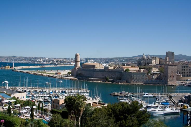 Le Vieux Port, Marseille => http://hotel-de-charme-guide-week-end.hotelspreference.com/week-end-en-france/provence/hotel-et-le-vieux-port-de-marseille-nature-et-plein-air-ip-3532355