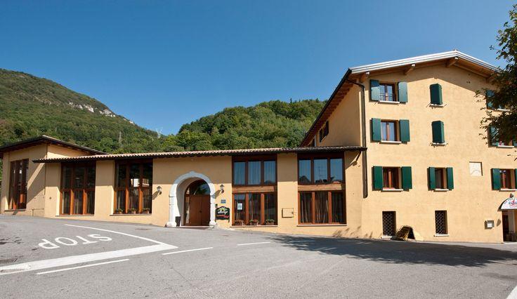 hotel Tre Punte a Gargnano, Lombardia. https://booking.tebaide.it/gargnano/hotel-tre-punte-lakegarda.html