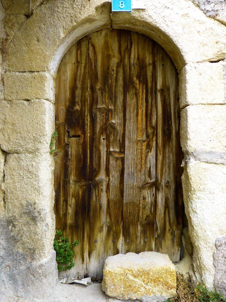 klippe arkitektur træ bygning gammel væg bue kapel dør mål sted for tilbedelse kunst tempel ruiner kloster døre historie hus indgangen gamle dør middelalderen slå op oldtidshistorie