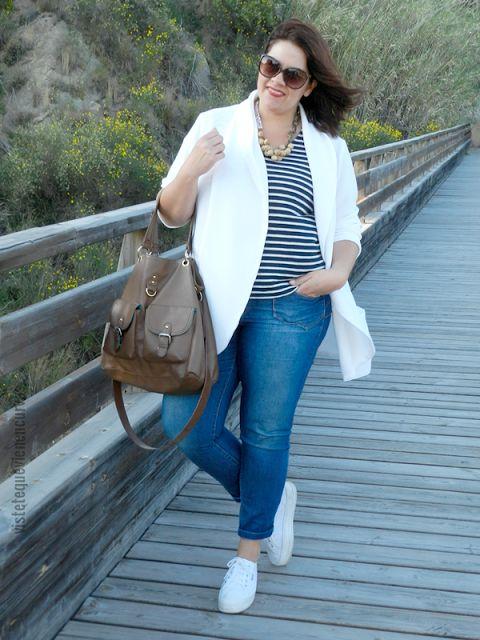 Plus Size Fashion - VÍSTETE QUE VIENEN CURVAS: Navy Chic · Outfit