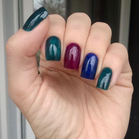 regram @tx_3001 Мои первые (и последние) дэнсы: 1057, 1058 и 1059. Тил не оправдал моих надежд, оказавшись зеленым, синий хороший, брала для подложки ириску, но он и сам красивый, зато фиолетовый!.. Это пирдуха! все в 1 слой