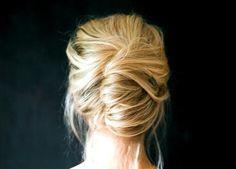 die perfekte Hochsteckfrisur selber machen-lässige Haarbanane