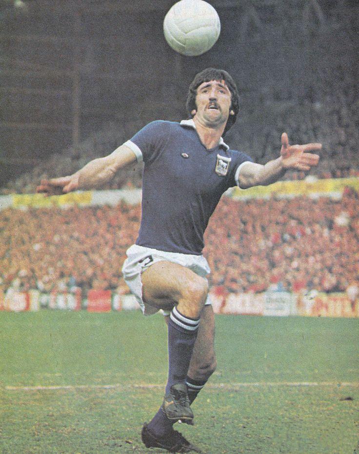 Circa 1975. Ipswich Town centre forward David Johnson