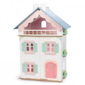 ΞΥΛΙΝΟ ΚΟΥΚΛΟΣΠΙΤΟ ΙΟΥΛΙΕΤΑΣ Το κουκλόσπιτο της εταιρίας Le Toy Van αποτελείται από δύο ορόφους και αποσπώμενο μπαλκόνι. Το κουκλόσπιτο είναι ειδικά σχεδιασμένο ώστε να υπάρχουν ανοίγματα σε όλες τις πλευρές του για πιο άνετο παιχνίδι δημιουργικότητας και ανάπτυξης της φαντασίας των παιδιών. Από μασίφ ξύλο καουτσουκόδεντρου, με μη τοξικά χρώματα και οικολογικά λούστρα και όμορφα απαλά χρώματα. Διαστάσεις ύψος 70,0 x μήκος 48,0 x πλάτος 48,2 εκατοστά. Δεν περιλαμβάνει έπιπλα και κούκλες.