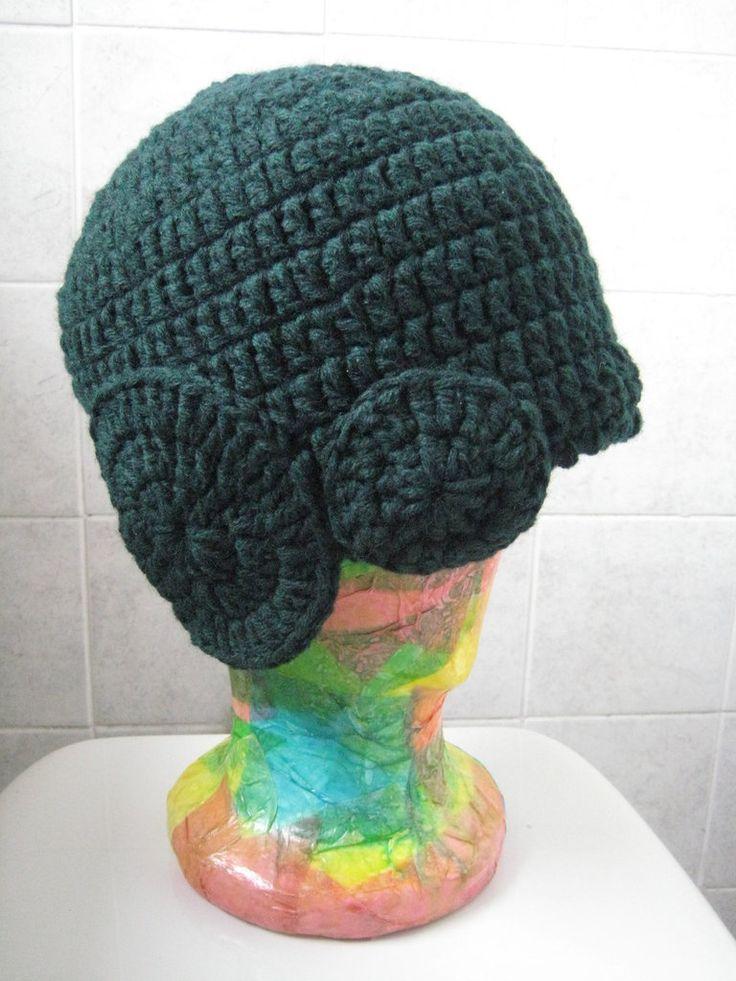 Cappello lana verde uncinetto con decorazioni, by Vamilla, 10,00 € su misshobby.com