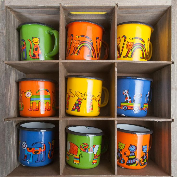 In the jungle, the mighty jungle, all the animals drink from the colourful cups! Whether the giraffe, the elephant, the jaguar or the panther is your spirit animal, these sweet cups will meet up to your expectations!