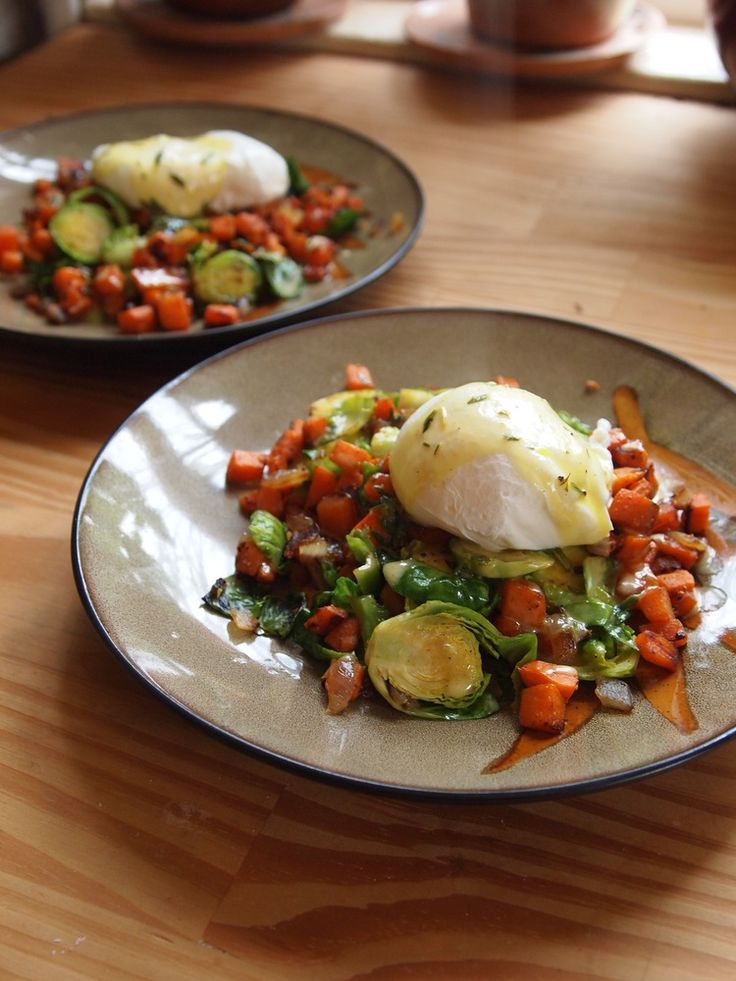 Sweet Potato and Brussles Sprout hash with a poached egg & Thyme Hollandaise — LORE