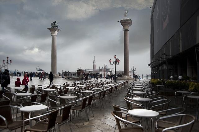 Tavoli vuoti...    ::    Venezia  By Giuseppe Desideri