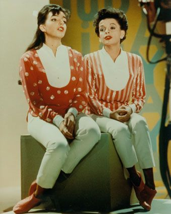 Liza Minnelli & her mom Judy Garland.  I think this was from Judy's television show.