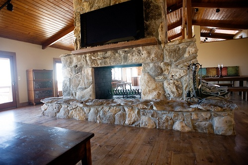 17 Best Images About Two Sided Fireplace On Pinterest