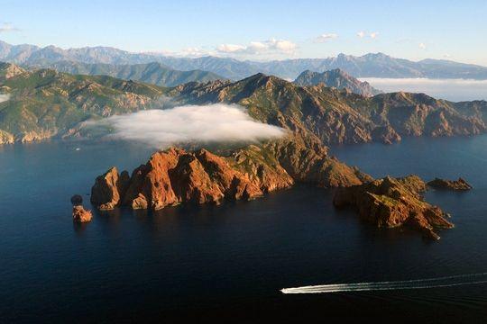 Corse, réserve naturelle de Scandola