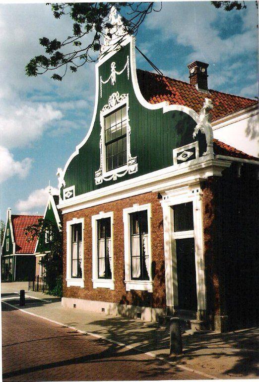 ♥ De Oud Katholieke Kerk, Krommenie, Noord-Holland.