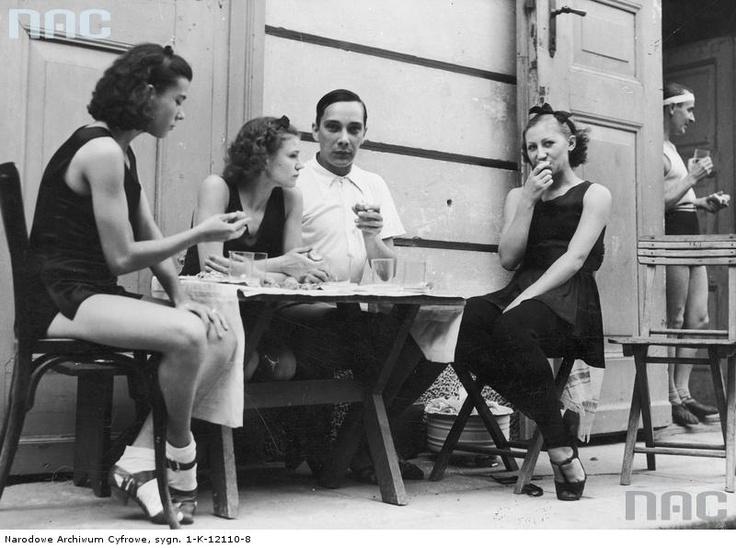 Ballet dancers during the brake, 1937.