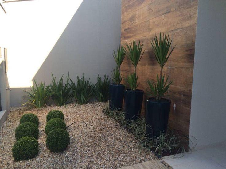 Casa A.A. : Jardins tropicais por Eneida Lima Paisagismo