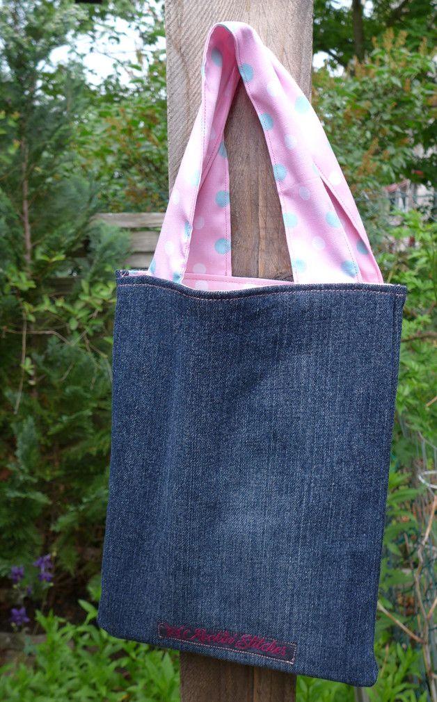 Stoffbeutel - kleine Beuteltasche im Jeans-Look - Büchertasche - ein Designerstück von Tinschae bei DaWanda