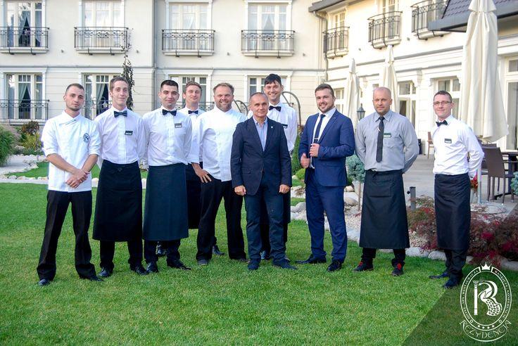 Baczność! I nadszedł ten dzień, w którym o wysokie morale naszego oddziału wykwalifikowanych specjalistów zadbał sam Generał Dywizji Wojska Polskiego, GROM-owładny Roman Polko! ;) #RezydencjaHotel #Hotel #RomanPolko