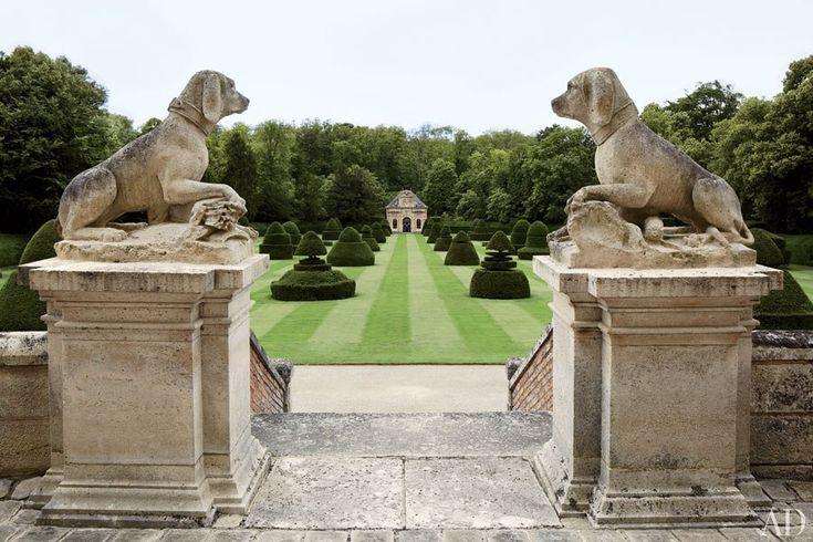 Valentino Garavani's Asian-Inspired Château Near Paris : Architectural Digest: Paris, Garavani Traditional, Lawn, Stones Dogs, French Gardens, Valentine Garavani, Castle, Chateau, Architecture Digest