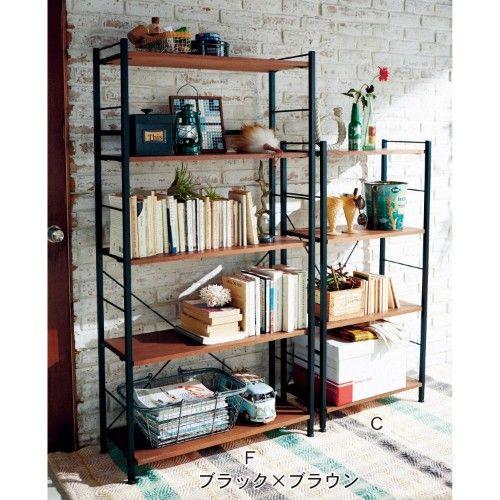 アイアンシェルフ【ネット限定サイズあり】ディスプレイしながら収納を楽しめるオープンタイプのラック。  スチールフレームに木の棚板が映えるオープンシェルフ。本棚としてだけでなく、お気に入りを飾って楽しめるディスプレイラックとしてもお好みでご使用いただけます。木製の可動棚は簡単に付け替えできる引っ掛けタイプです。ブラックフレームにブラウンの棚板、グリーンフレームにナチュラルの棚板のおしゃれなツートンに仕上げた2色展開です。