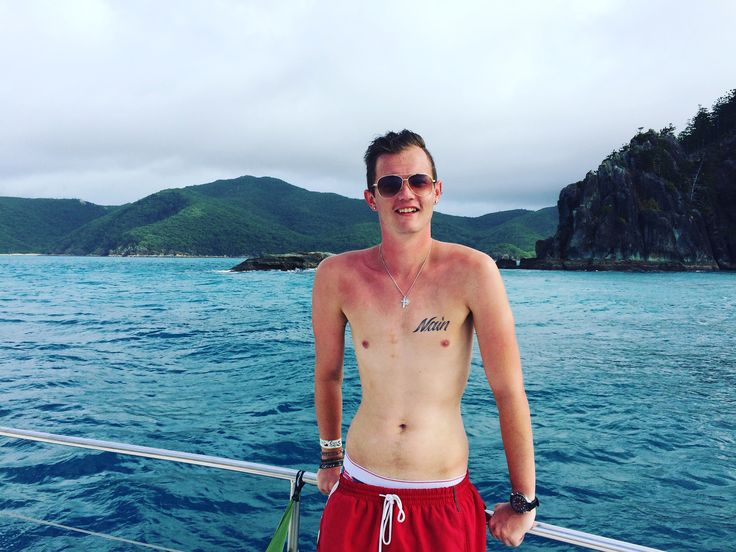 Mis-matched tan at Whitsunday island
