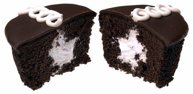 Los Ding Dongs cupcakes o pastelitos pingüinos –como se llaman en México–, se vendieron por primera vez en 1967 en los Estados Unidos.