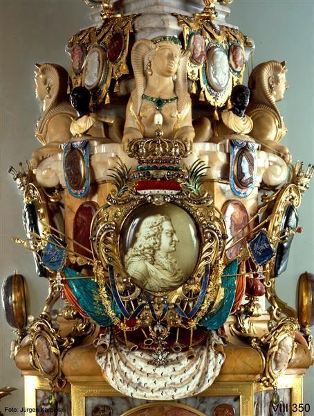 Obeliscus Augustalis by Dinglinger, Johann Melchior (1664-1731) - Jasper, carnelian, marble, stone Kelheim, Böttger stoneware, gold, silver, partly gilt, enamel, ivory, precious stones, gems, cameos.