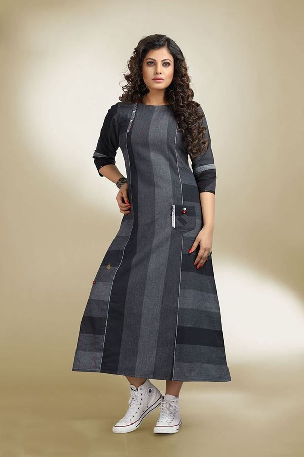 Look sassy as you don this black & grey designer kurti falling with geometric divisions of shades and finished with buttons and thread for appeal!