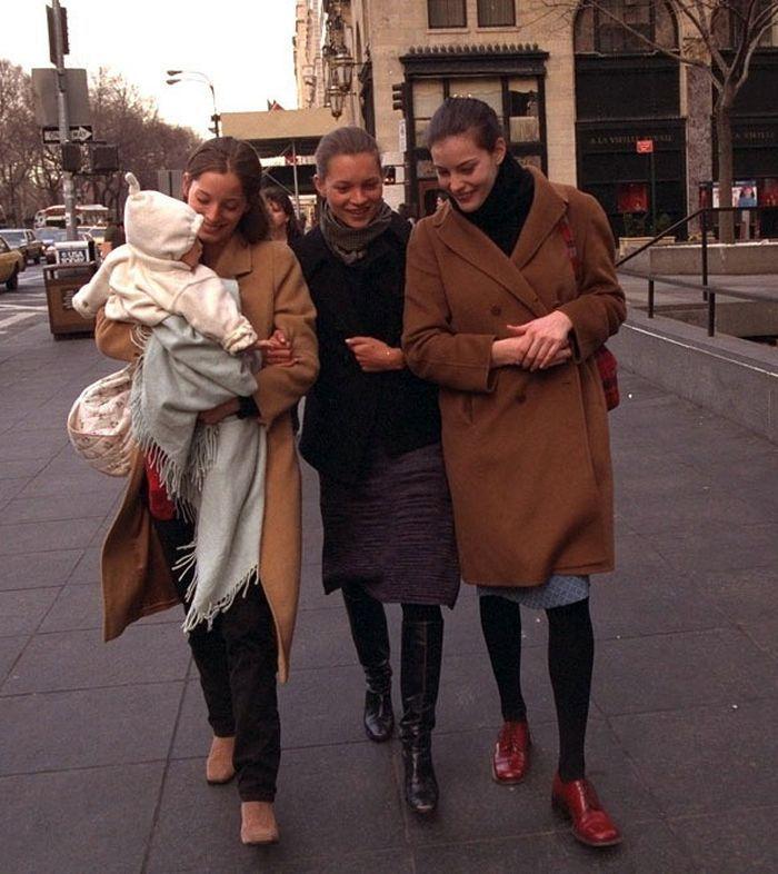 Lucie de la Falaise, Kate Moss, Liv Tyler in New York, February 1997