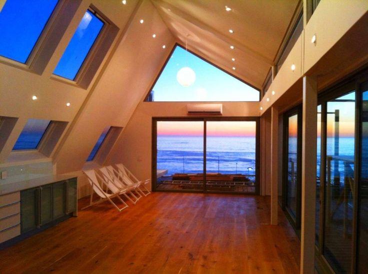 Penthouse Du Barry by Luke Scott Architects in Green point beautifull natural light by Tony Sandell Roof Windows. #TSRW #skylights #capetown