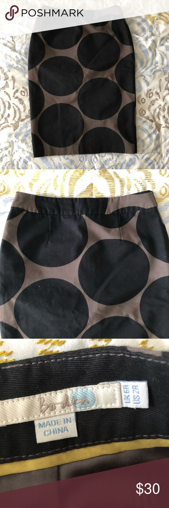 Boden Black Polka Dot Pencil Skirt Size 2 Boden black and brown pencil skirt with polka dots in size 2. Small slit on the bottom hem with zipper in the back. In excellent condition, no flaws. Boden Skirts Pencil