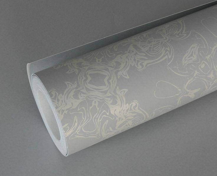 Detail - cream & dove grey wallpaper