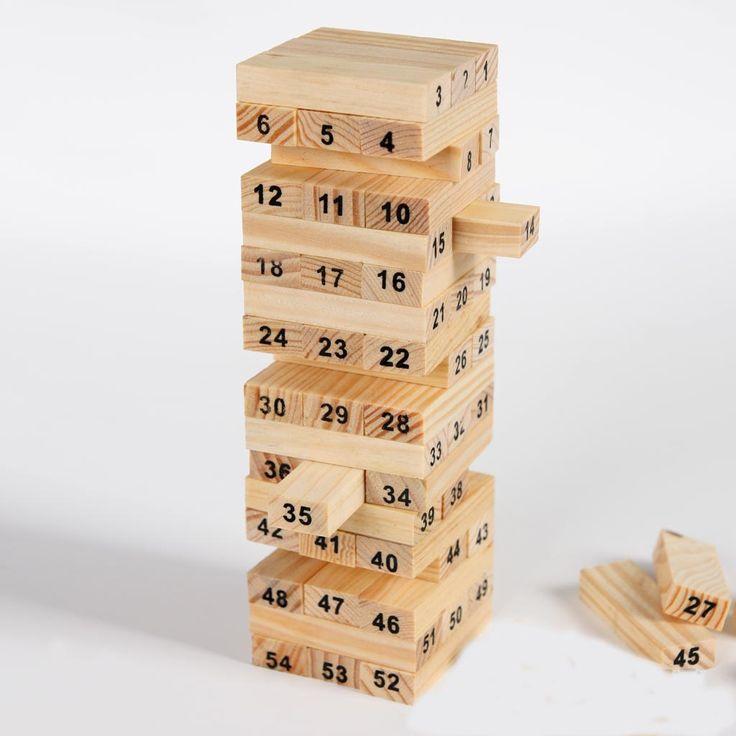 El Jenga es un juego de destreza y habilidad para mas de dos personas, en el cual se turnaran para tirar los dados.El numero que nos toque en los dados será el bloque que deberemos retirar de la torre, evitando que esta se caiga.