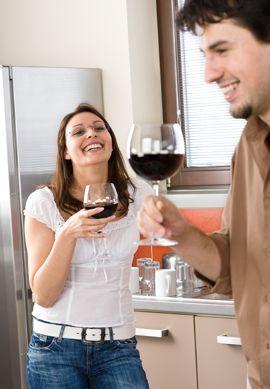 Talvez um dos maiores desafios da atualidade seja manter um relacionamento duradouro. Pesquisadores da Nova Zelândia afirmam que o vinho pode ser um excelente segredo para um casamento feliz! Não é fantástico?