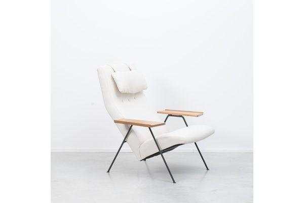 Robin Day Recliner Armchair | vinterior.co