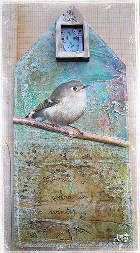 dans ma maisonil y a un oiseau en hiver ~ translation:  in my maisonil there is a bird in winter by Anne, Bulles dorèes