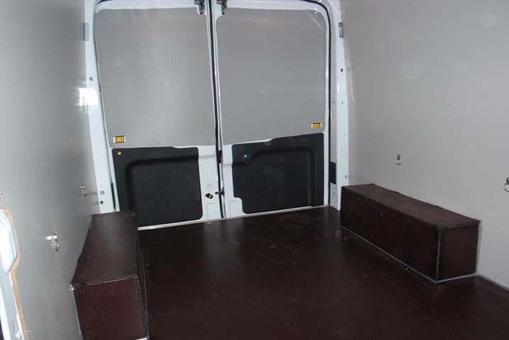 Kalabalık yolcu gruplarını hem kısa mesafelerde hem de uzun mesafelerde konforlu bir şekilde panelvanlar sayesinde taşınabilmektedir. Ancak bununla birlikte panelvanlar farklı kaplama tercihleriyle birlikte çok daha konforlu ve kaliteli araçlar haline getirilebilmektedir. Bu noktada panelvan araç kaplama uygulamaları en iyi tercih olarak tüketicilerin karşısına çıkmaktadır.    En beğenilen panelvan araç kaplama uygulamaları içerisinde koltuk tasarımları tavan yan