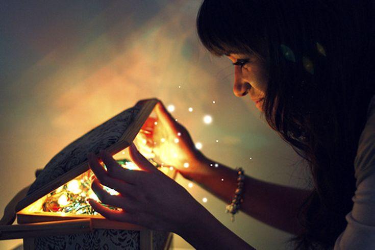 La manera en que te comunicas con el Universo es demasiado importante para poder sentirte a gusto en tu vida. De la misma manera en que te comunicas contigo mismo y con las demás personas, la comunicación con el Universo es vital para disfrutar de armonía, paz y plenitud en tu existencia. Cuando no nos …