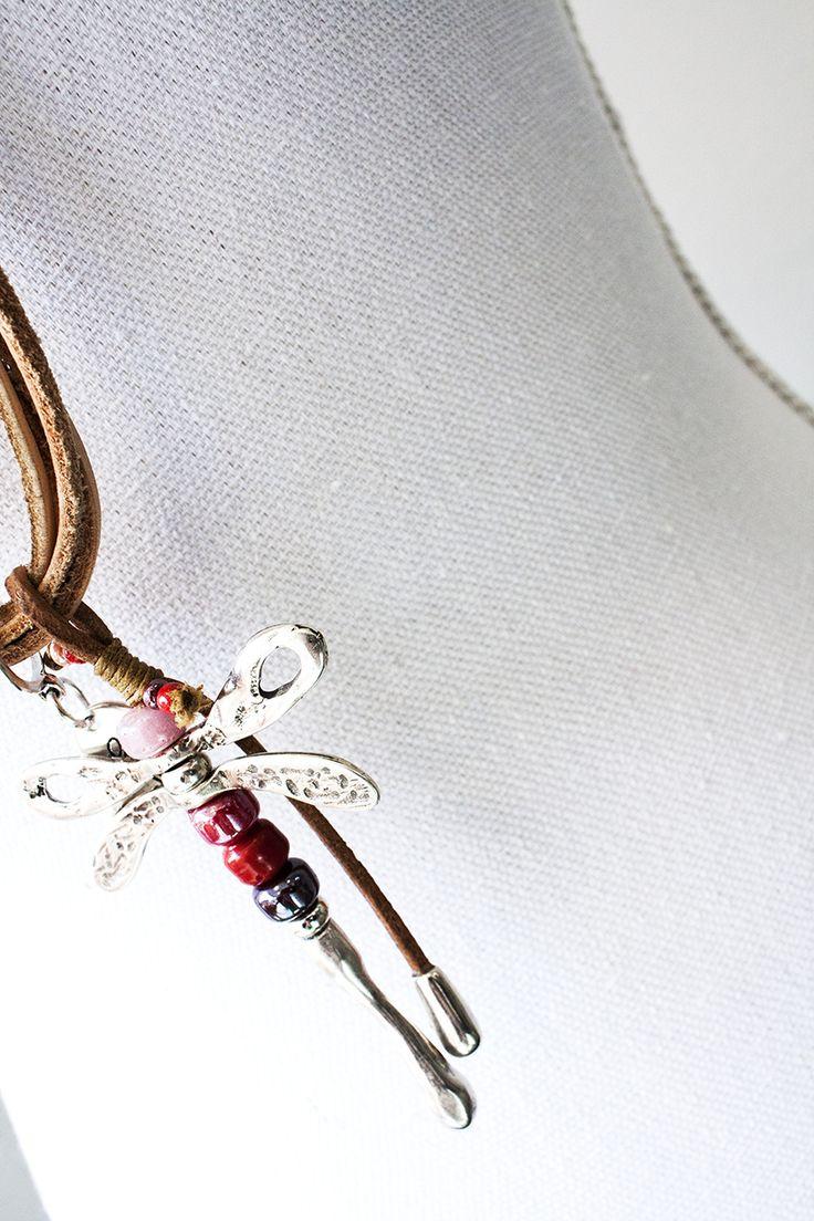 Collar #libelula #DRAGONFLY #cuero #zamak #ailofllu #ailoflluatelier #hondarribia #irun #irún #hendaye #bidasoa #donostia #donosti #gipuzkoa #euskadi #cotebasque https://www.facebook.com/AiLofLlu