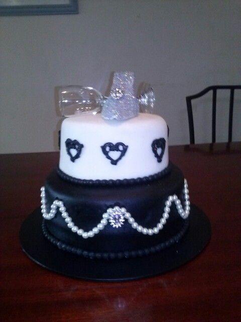 #21stbirthdaycake #elegant #cake #fondantshoe #bakedbyme