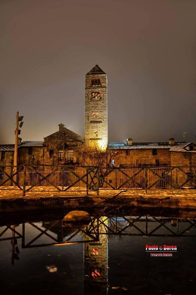 Sempre magica la sera a Susa: il campanile di Santa Maria Maggiore  #myValsusa 04.03.17 #fotodelgiorno di Susa Turistica - Paolo Borea