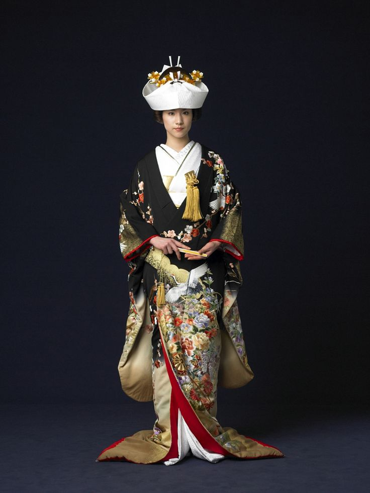 Cinder Wedding Dress #2: in many Asian cultures brides will change their dresses several times throughout the ceremony (lucky girls...) While the bridal dress in Japan is usually a white kimono called a shiromuku, brides will often change into a more colorful iro-uchikake for the reception.