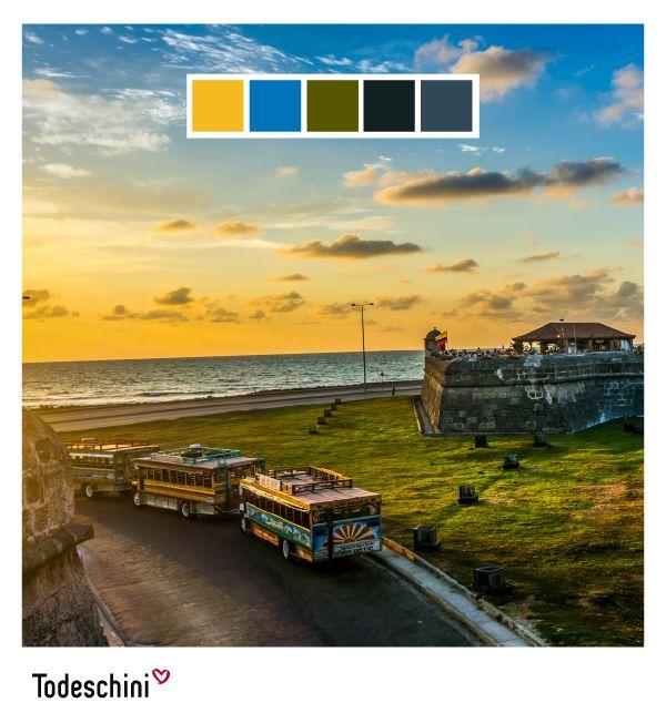 Cartagena de Indias, Patrimonio Histórico y Cultural de la Humanidad. Es sin duda, una ciudad que evoca historia, romanticismo, elegancia, y belleza natural, con colores que reflejan su majestuosidad. Recuerde que en Todeschini, tú eliges el color que se ajusta a tu perosnalidad. Foto tomada de: www.recreoviral.com #Diseñodeinteriores #Decoración #Todeschini #ambientes #mueblesamedida #arquitectura #colombia