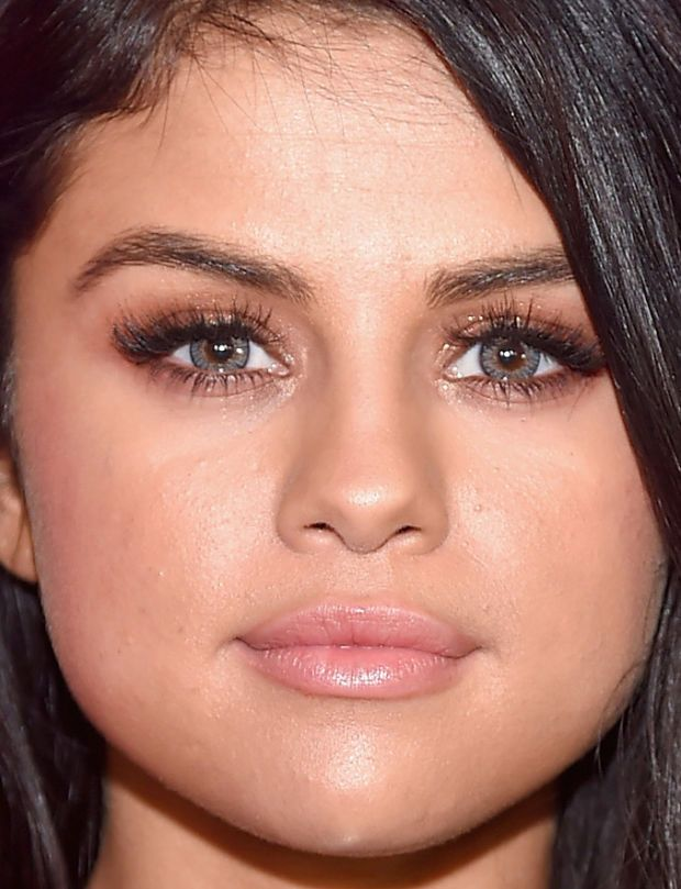 Close-up of Selena Gomez at the 2015 Victoria's Secret Fashion Show after-party. http://beautyeditor.ca/2015/11/16/victorias-secret-fashion-show-after-party-2015