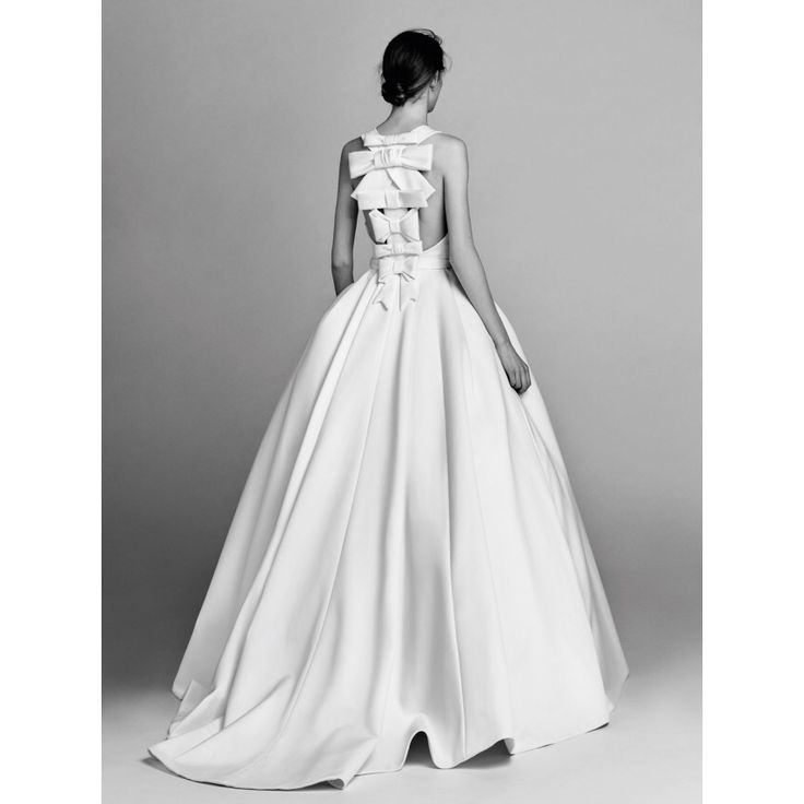 Viktor & Rolf  #VogueRussia #bridal #fallwinter2017 #ViktorRolf #VogueCollections