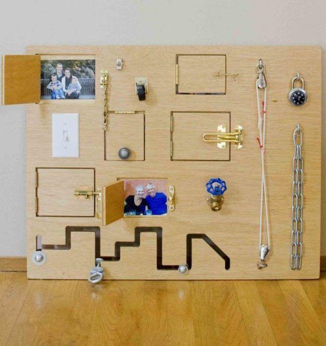 activity board selber machen holz tueren bauen kette fotos kids pinterest kinder. Black Bedroom Furniture Sets. Home Design Ideas