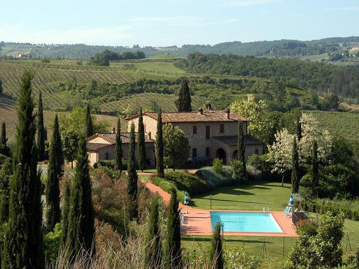 Villa di Giacomo is a luxury holiday getaway. The interiors and structure of the villa are something to behold in their pure elegance and craftsmanship. It is a luxurious affair and no comfort is spared. http://www.ciaoitalyvillas.com/tuscany-vacation-rentals/florence/montaione-villas/10159