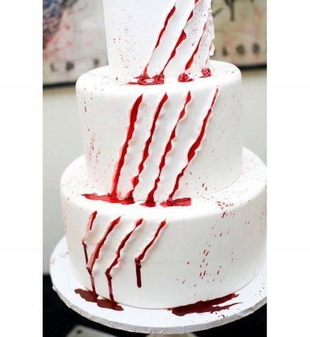 Gâteau d'Halloween : le gâteau lacéré