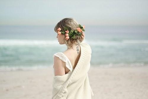 .: Flowers Tattoo, Wedding Hair, Flowers Crowns, Beautiful, Pale Pink, Hair Makeup, Body Art, Hair Style, Pink Rose