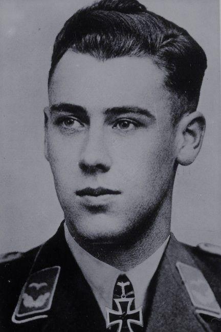 Leutnant Hans Teusen (1917-2011), Zugführer in der 6./Fallschirmjäger Regiment 2, Ritterkreuz 14.06.1941